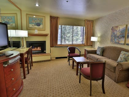 Living Area | Tahoe Seasons Resort by Diamond Resorts