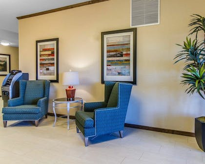 Lobby | MainStay Suites Event Center