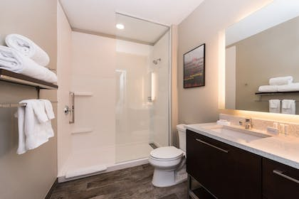 Guestroom | TownePlace Suites by Marriott Alexandria