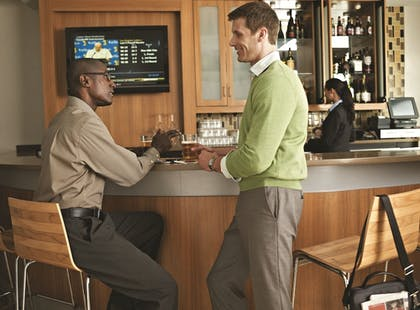 Hotel Bar   TownePlace Suites Orlando at FLAMINGO CROSSINGS® Town Center/Western E