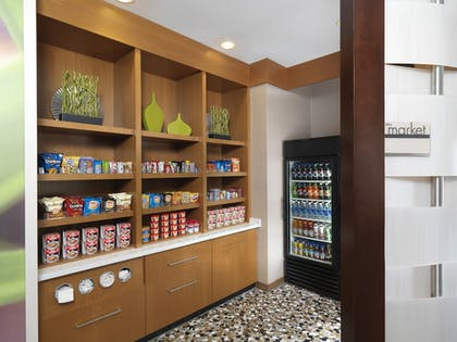 Snack Bar | TownePlace Suites Orlando at FLAMINGO CROSSINGS® Town Center/Western E