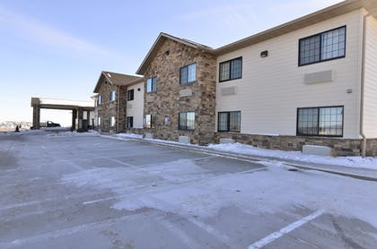 Front of Property | Cobblestone Inn & Suites - Holstein