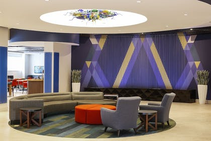 Lobby | Holiday Inn Express & Suites Louisville Downtown