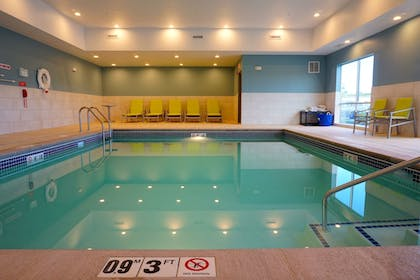 Pool | Holiday Inn Express & Suites Omaha - Millard Area