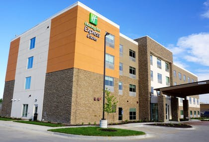 Featured Image | Holiday Inn Express & Suites Omaha - Millard Area