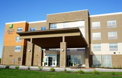 Exterior | Holiday Inn Express & Suites Omaha - Millard Area