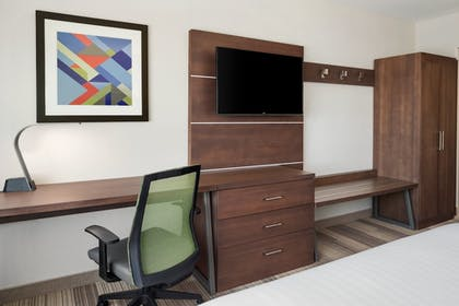Guestroom | Holiday Inn Express & Suites Duluth North - Miller Hill