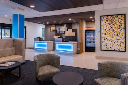 Lobby Sitting Area | Holiday Inn Express & Suites Fort Worth West