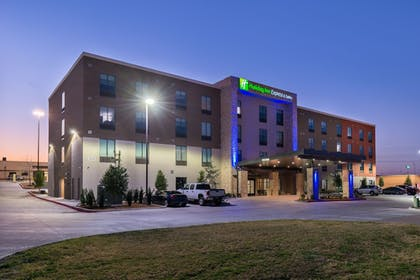 Exterior | Holiday Inn Express & Suites Fort Worth West