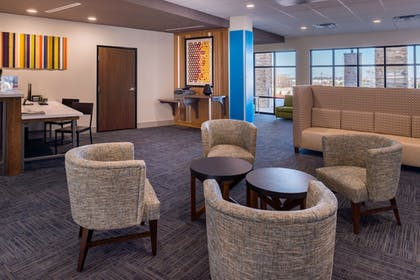 Lobby | Holiday Inn Express & Suites Fort Worth West