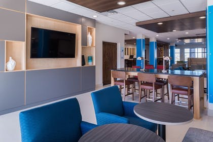Hotel Bar | Holiday Inn Express & Suites Fort Worth West