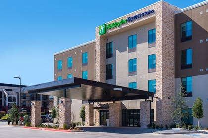 Hotel Front | Holiday Inn Express & Suites Fort Worth West