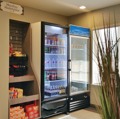 Snack Bar | Mainstay Suites