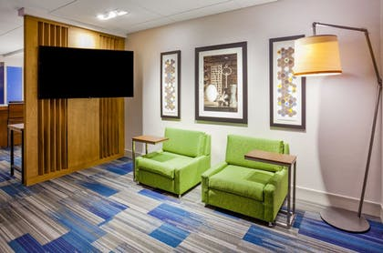 Lobby | Holiday Inn Express & Suites Des Moines Downtown