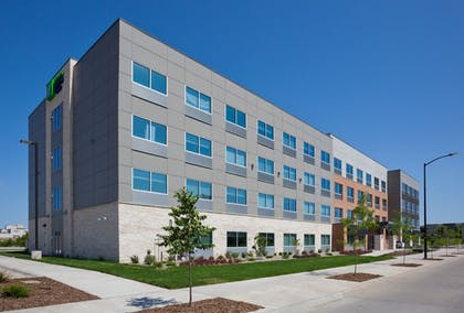 Exterior | Holiday Inn Express & Suites Des Moines Downtown