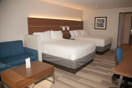 Guestroom | Holiday Inn Express & Suites Decatur
