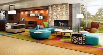 Lobby Sitting Area | Fairfield Inn & Suites by Marriott Madison Verona