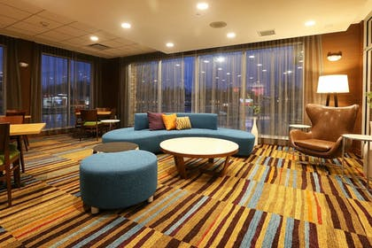 Lobby | Fairfield Inn & Suites by Marriott Madison Verona