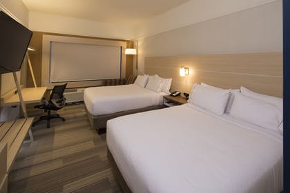 Guestroom | Holiday Inn Express & Suites Alpena - Downtown