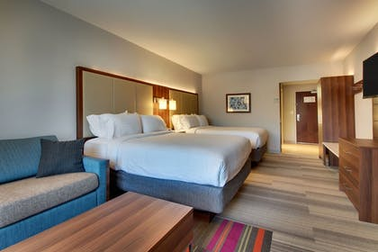 Guestroom | Holiday Inn Express Helen