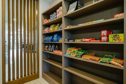 Snack Bar | Holiday Inn Express & Suites Eagan - Minneapolis Area