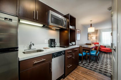 Guestroom | TownePlace Suites by Marriott Waco South