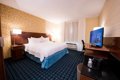 Guestroom | Fairfield Inn & Suites Dallas Plano North
