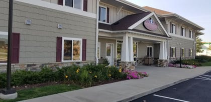 Exterior | Affordable Suites of America Portage