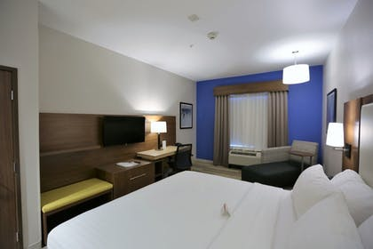 Guestroom | Holiday Inn Express & Suites Houston NW - Hwy 290 Cypress