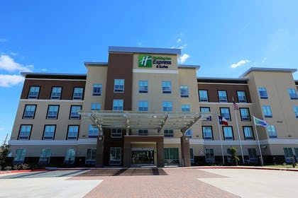 Porch | Holiday Inn Express & Suites Houston NW - Hwy 290 Cypress