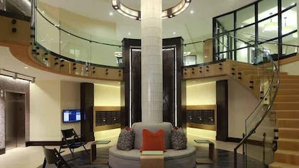 Lobby | 1919 Clarendon by Executive Apartments