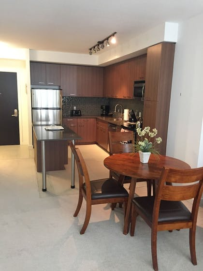 In-Room Dining | Tellus by Executive Apartments