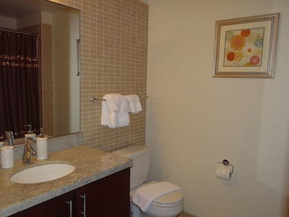 Bathroom | The Avenue by Executive Apartments
