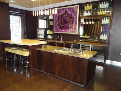 Hotel Bar | The Avenue by Executive Apartments