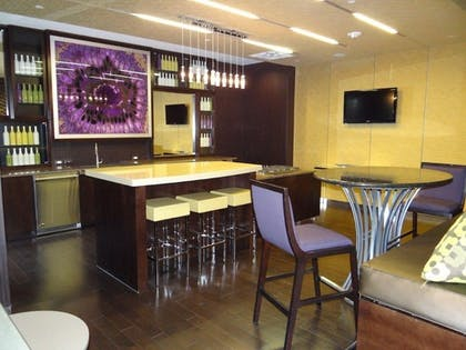 Hotel Lounge   The Avenue by Executive Apartments