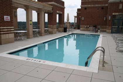 Outdoor Pool | Gramercy by Executive Apartments