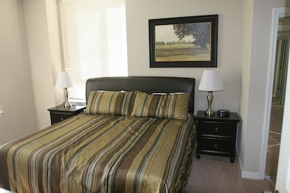 Guestroom   Instrata by Executive Apartments