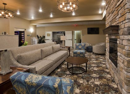 Lobby | GrandStay Hotel and Suites