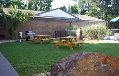 BBQ/Picnic Area | At Home Inn & Suites