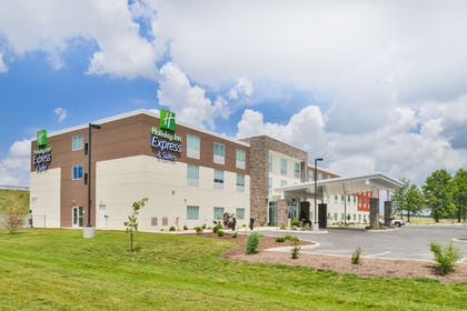 Featured Image | Holiday Inn Express & Suites Salem