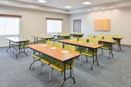 Meeting Facility | Holiday Inn Express & Suites Salem