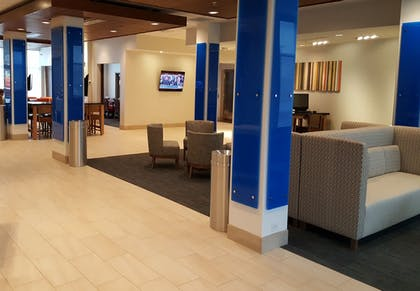 Hotel Interior | Holiday Inn Express & Suites Toledo West