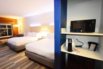Guestroom | Holiday Inn Express & Suites Toledo West