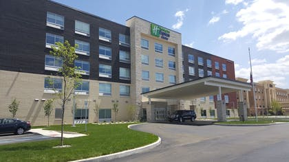 Exterior | Holiday Inn Express & Suites Toledo West