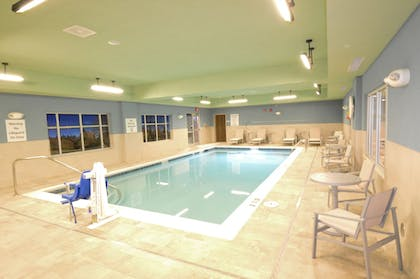 Pool | Holiday Inn Express & Suites Toledo West