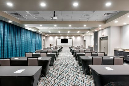 Meeting Facility | Holiday Inn Express & Suites Charlotte Airport