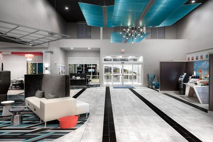 Lobby | Holiday Inn Express & Suites Charlotte Airport