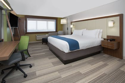 Guestroom | Holiday Inn Express & Suites Bryant - Benton Area