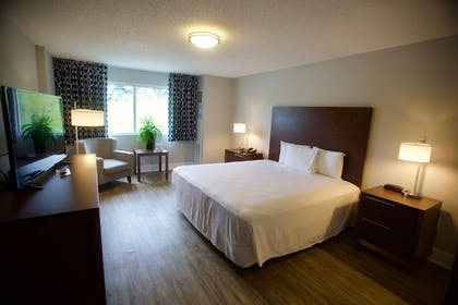 Guestroom | WaterView Casino and Hotel