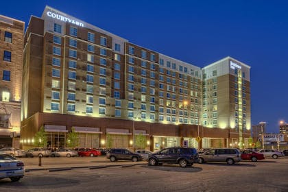 Exterior | Courtyard by Marriott Kansas City Downtown/Convention Center